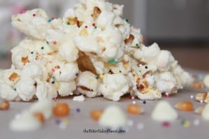 Funfetti Cake Mix Popcorn via thebittersideofsweet