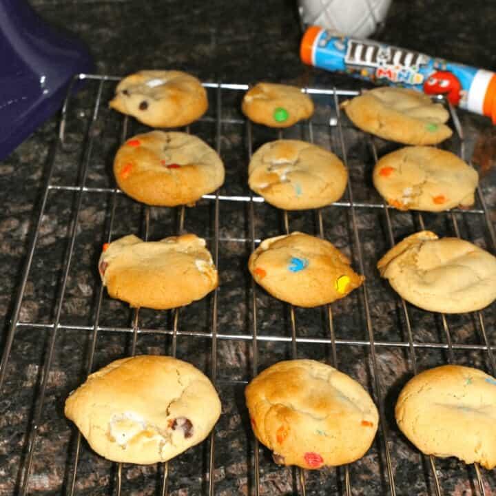 M&M Marshmallow Cookies