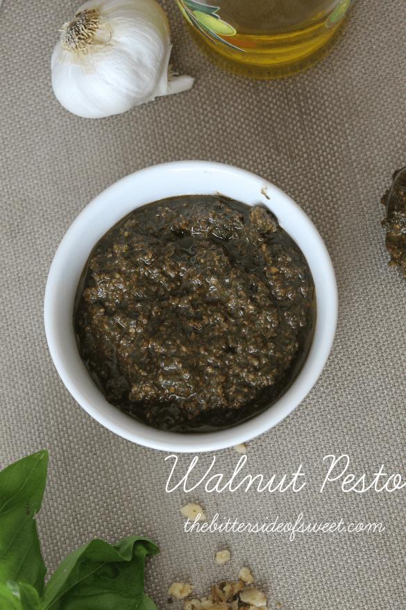 Walnut Pesto | thebittersideofsweet.com #italian #walnuts #pesto