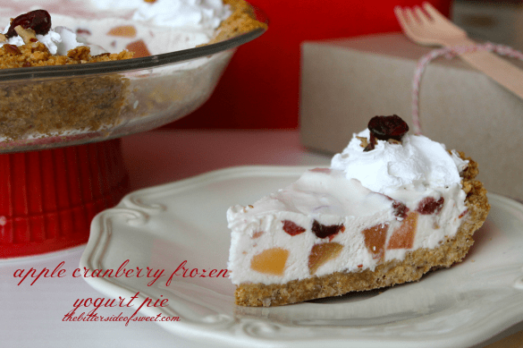 apple cranberry frozen yogurt pie thebittersideofsweet.com 4