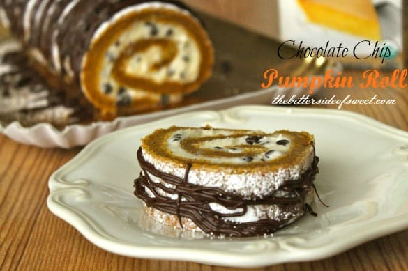 Chocolate Chip Pumpkin Roll | thebittersideofsweet.com