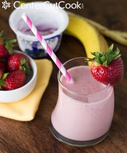 berry-banana-yogurt-smoothie-5