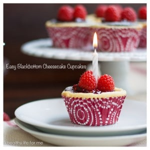 Easy-Blackbottom-Cheesecake-Cupcakes-3