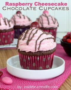Raspberry-Cheesecake-Chocolate-Cupcakes-title