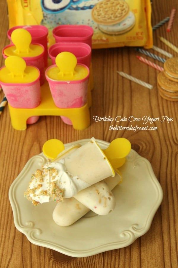 Birthday Cake Oreo Yogurt Pops | thebittersideofsweet.com