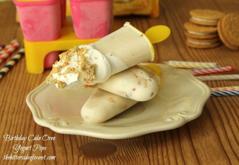 Birthday Cake Oreo Yogurt Pops | thebittersideofswet.com