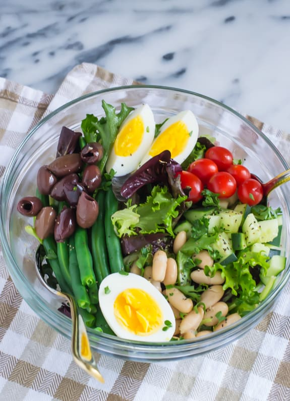 Easy-Vegetarian-Salad-Nicoise-Recipe