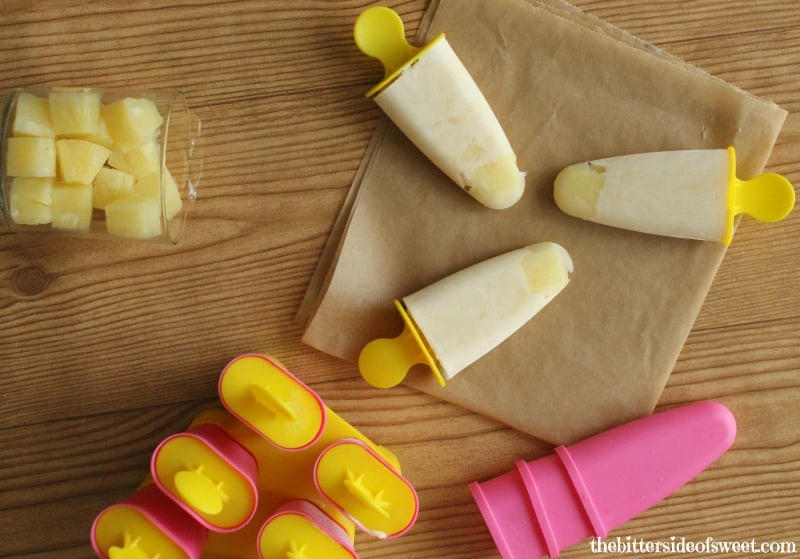 Pineapple Yogurt Popsicles - a healthy frozen dessert or snack (or breakfast!) | cupcakesandkalechips.com | #pops #greekyogurt #glutenfree