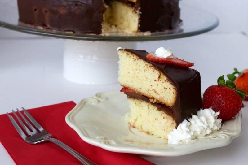 Strawberry Chocolate Ganache Cake - The Bitter Side of Sweet