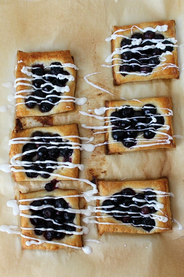 White Chocolate Blueberry Tarts - The Bitter Side of Sweet