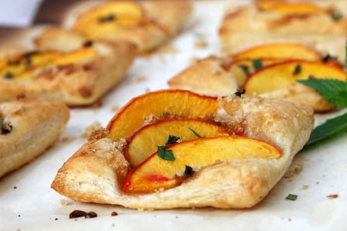 Mint Peach Tarts - The Bitter Side of Sweet
