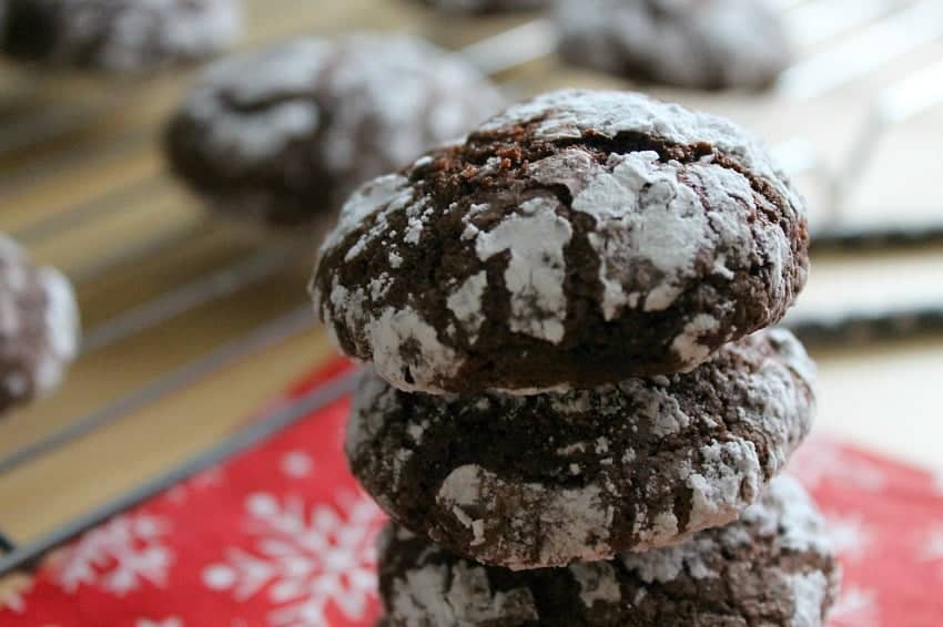 Chocolate Crinkle Cookies - The Bitter Side of Sweet #Cookielicious