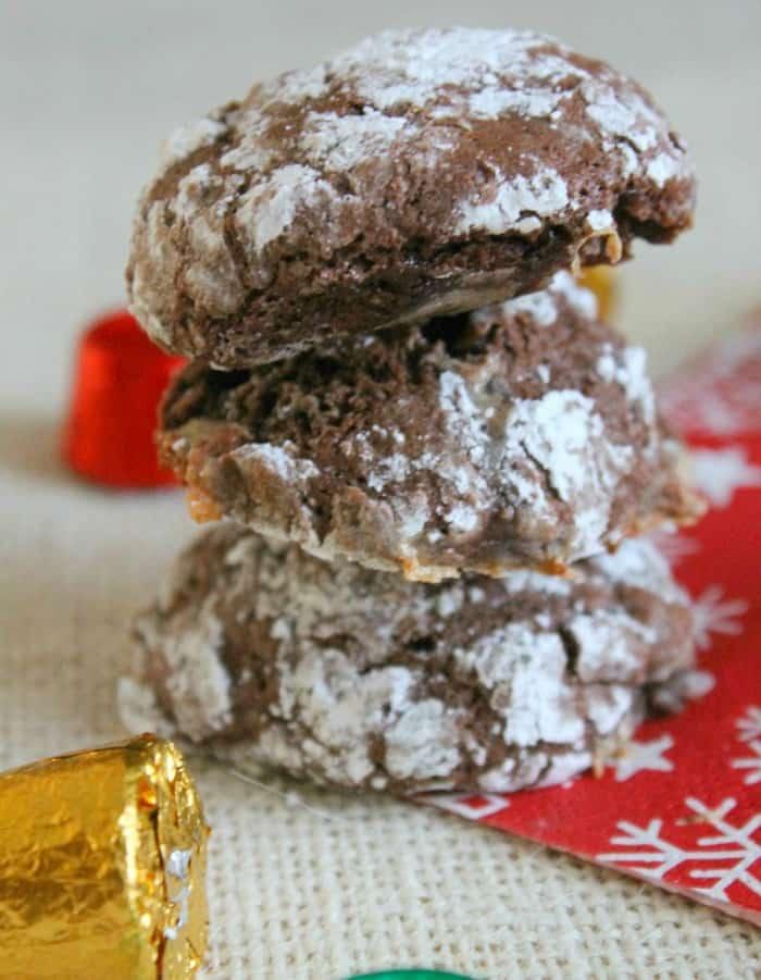 Rolo Crinkle Cookies Vertical