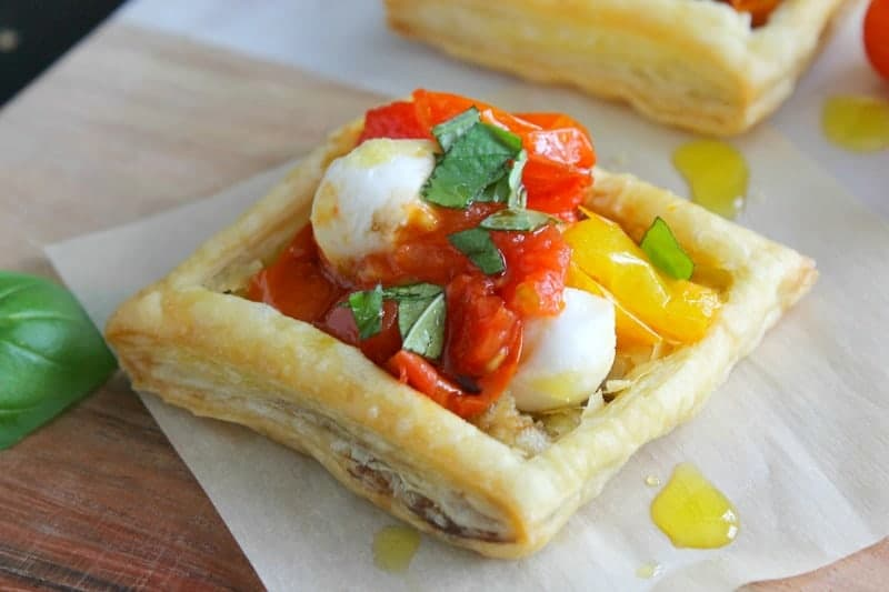 Caprese Tarts | The Bitter Side of Sweet