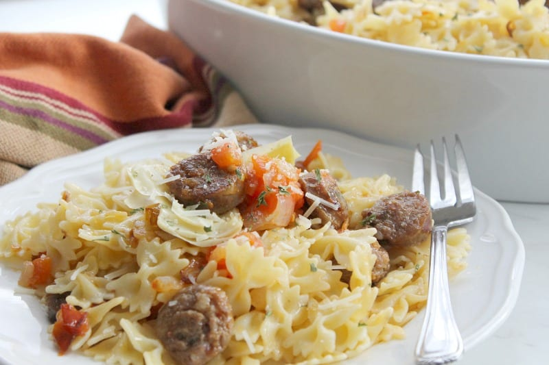 Italian Sausage and Artichoke Pasta (Pasta con salsiccia e carciofo) | The Bitter Side of Sweet #ad