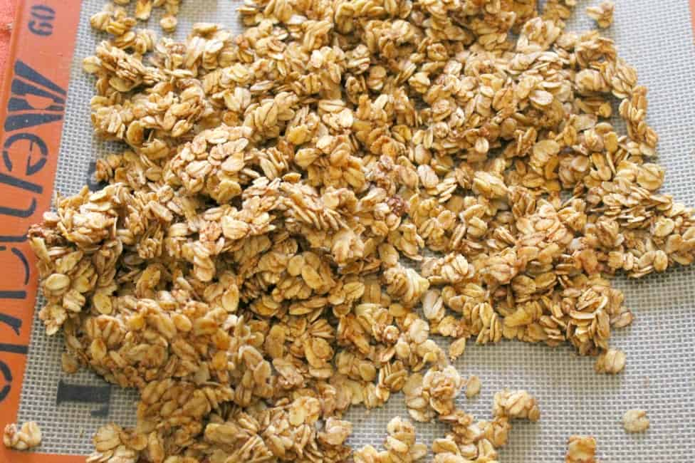 Maple Cinnamon Granola | The Bitter Side of Sweet #granola #breakfast