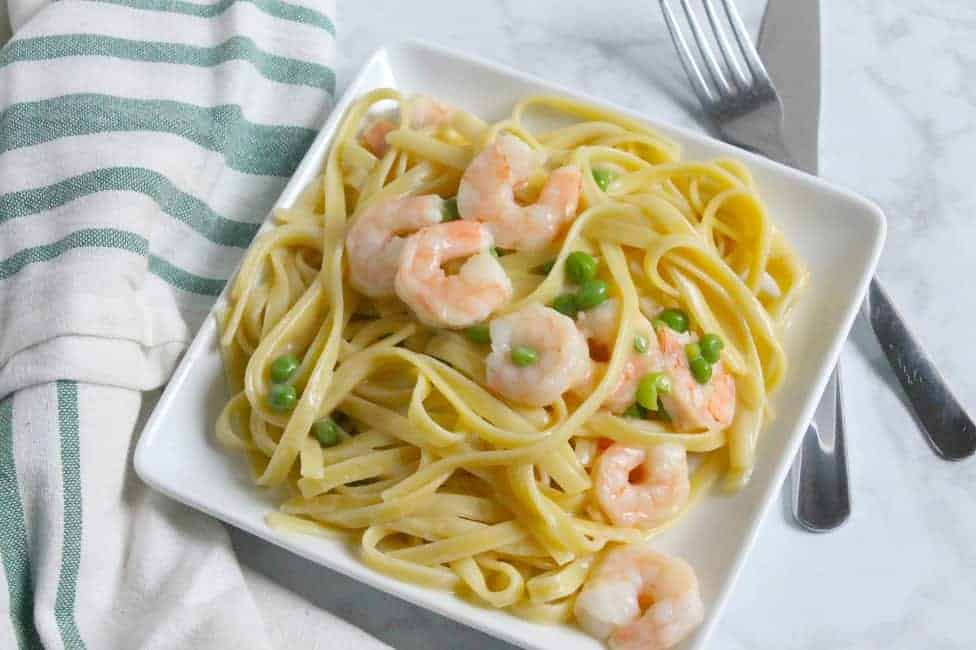Creamy Shrimp and Peas Fettuccine | The Bitter Side of Sweet #ad #Homemade4TheHolidays #pasta