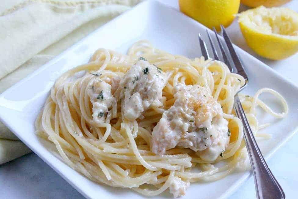 Creamy Lemon Pepper Chicken Spaghetti   The Bitter Side of Sweet #SundaySupper #pasta #dinner