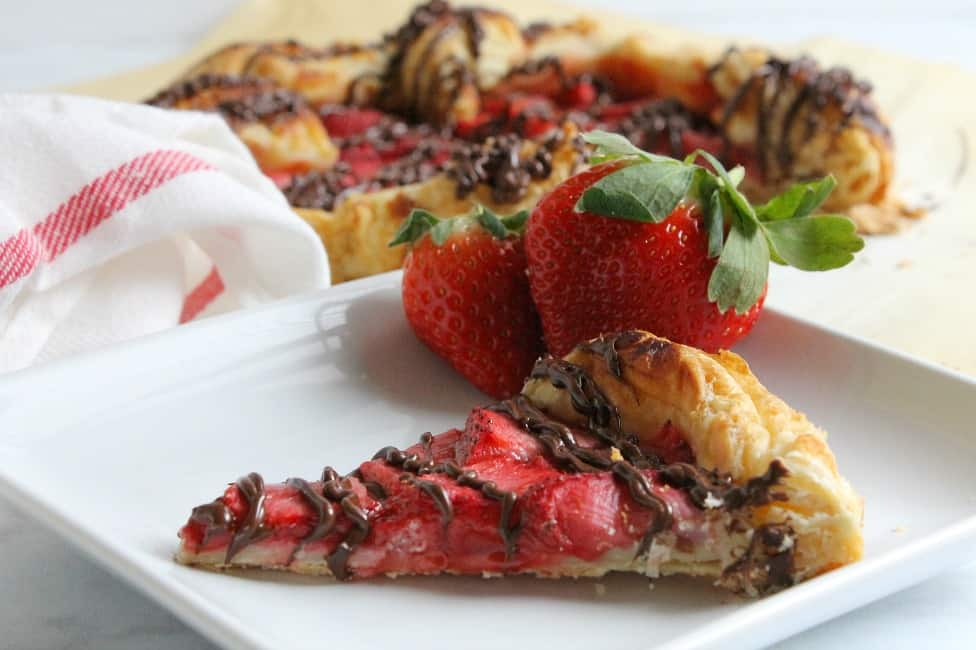 Puff Pastry Chocolate Strawberry Galette | The Bitter Side of Sweet #strawberry #chocolate #dessert #ValentinesDay
