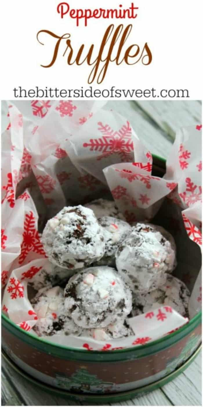 Start your holidays off with these Peppermint Truffles! | The Bitter Side of Sweet #chocolate #peppermint #candy