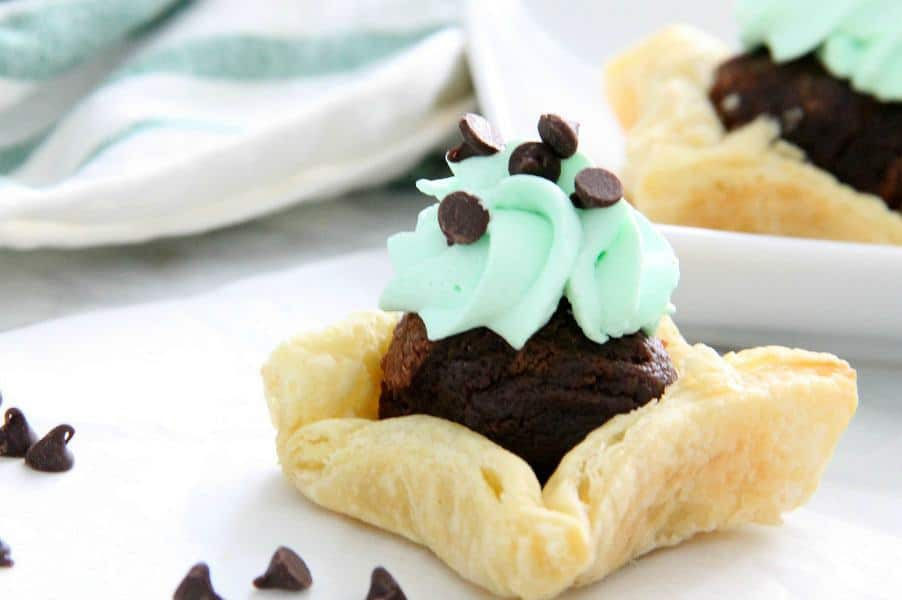 Mint Chocolate Brownie Cups on white background