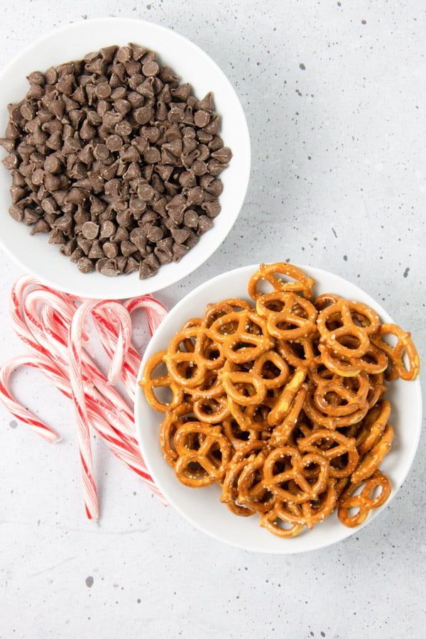 Peppermint Chocolate Dipped Pretzels ingredients in bowls