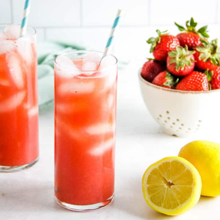 strawberry black tea lemonade in glasses.